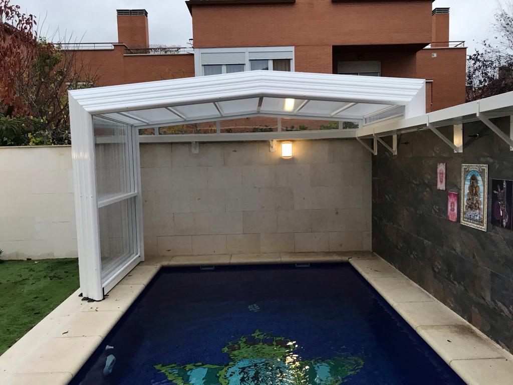 Cubierta telecópica alta para piscina