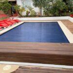 Cobertor de piscina de lamas con cajón en color madera